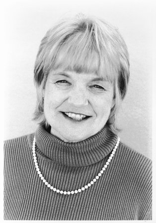 Photo of Lois W. Banner