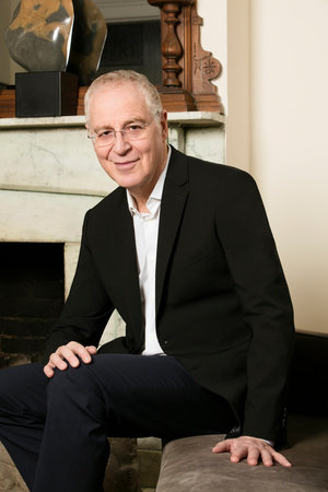 Photo of Ron Chernow
