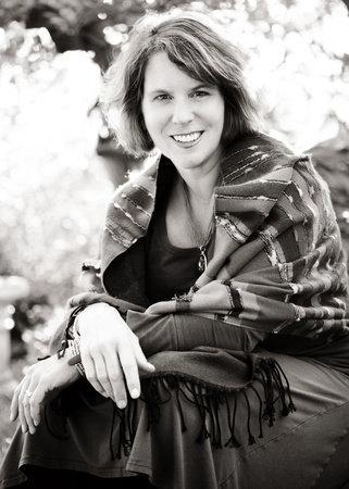 Photo of Holly Robinson